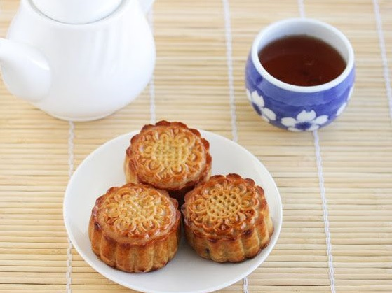 Easy Traditional Cantonese Mooncakes With The Airfryer